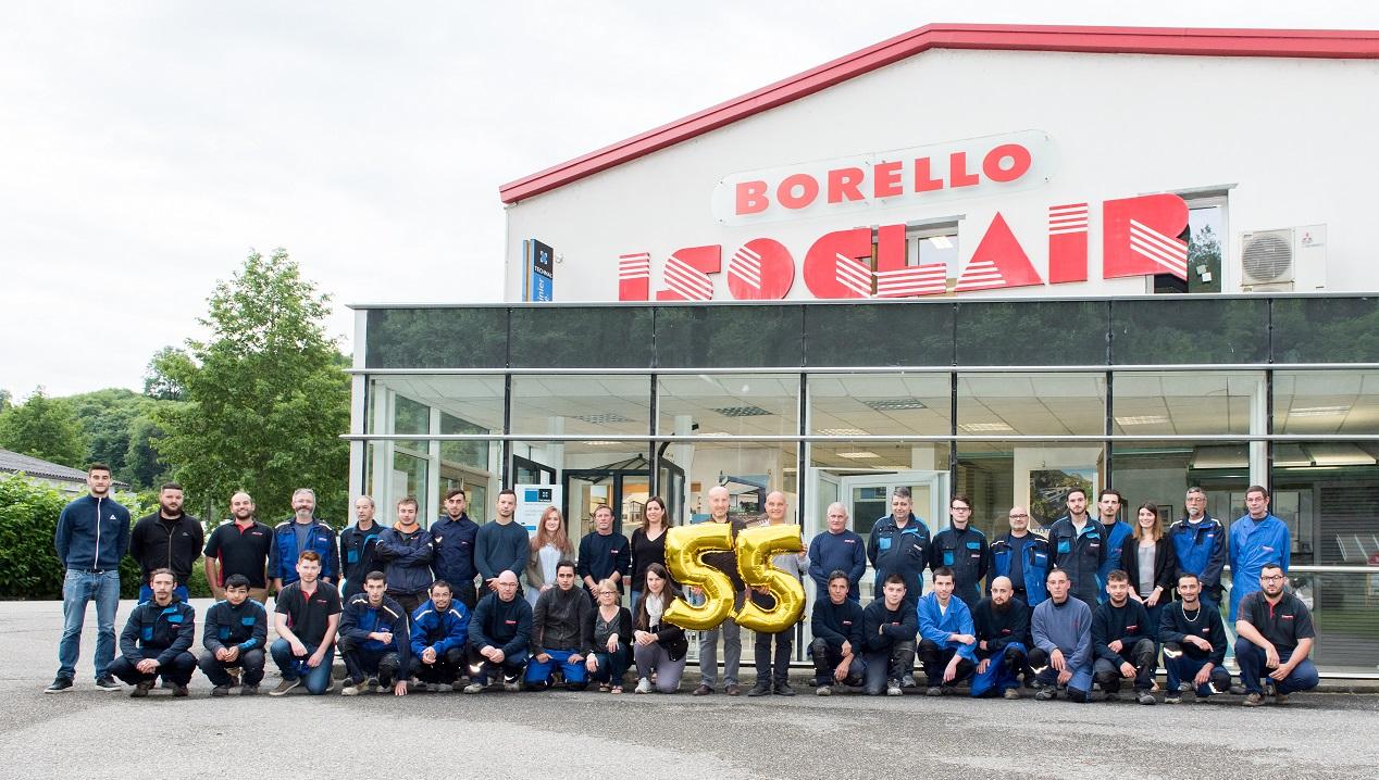 photo de l'équipe Borello Isoclair pour les 55 ans de l'entreprise