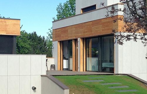 Photo d'une maison équipée de baie coulissante