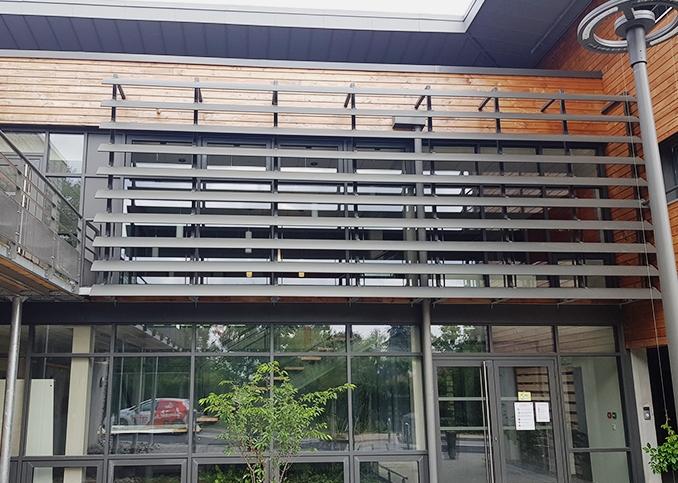 photo de brise soleil intégrer en façade
