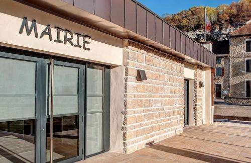 Mairie La Balme les Grottes