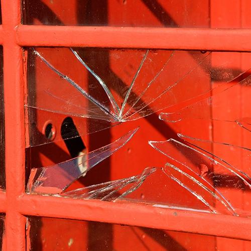 fenêtre cassée